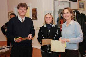 Dr. Junge-Ilges zeichnet Gabi Weber (Clubmeisterin) und Barbara Junge-Ilges (Zweite) (Damen-Leistungsklasse) aus