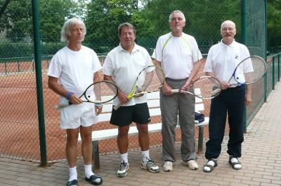 v.l.n.r.: G.Müller, K.M. Meisel, Thomas Wender, Helmut Steinbrück (Bild: privat)