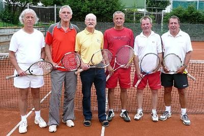 """v.l.n.r. : Günter Müller, Thomas Wender, Helmut Steinbrück, Dieter Schäfer, Walter Leinhos und """"Knut-Michael (Buma) Meisel."""