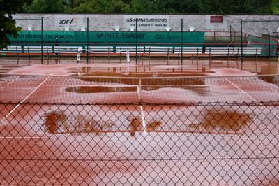 Das Spiel zwischen dem ETC und dem Rochusclub Düsseldorf konnte wegen Starkregen erst eine Stunde später beginnen