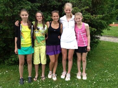 v.l.n.r: Babette Lenuzza, Josefine Spalek, Leoni Bösel, Elisabeth und Christine Junge-Ilges
